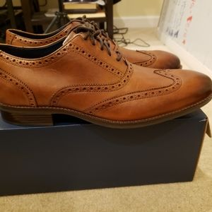 Cole Haan Wayne Wingtip Oxford Tan size 12